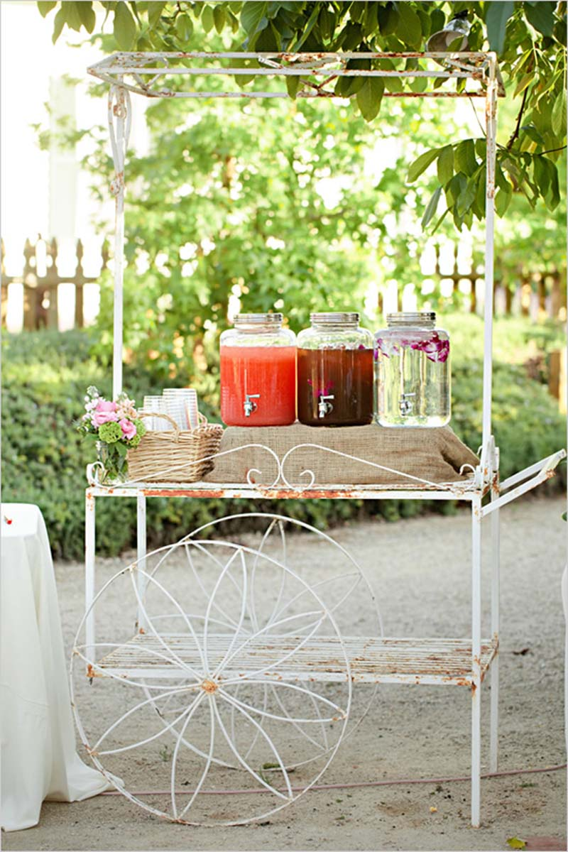 vintage_drink_cart_for_wedding