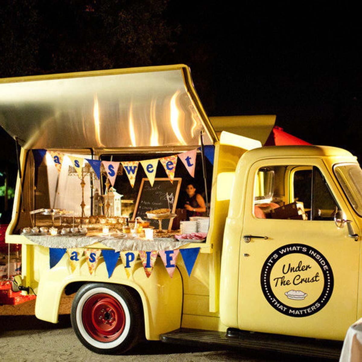 Food-Trucks-Weddings