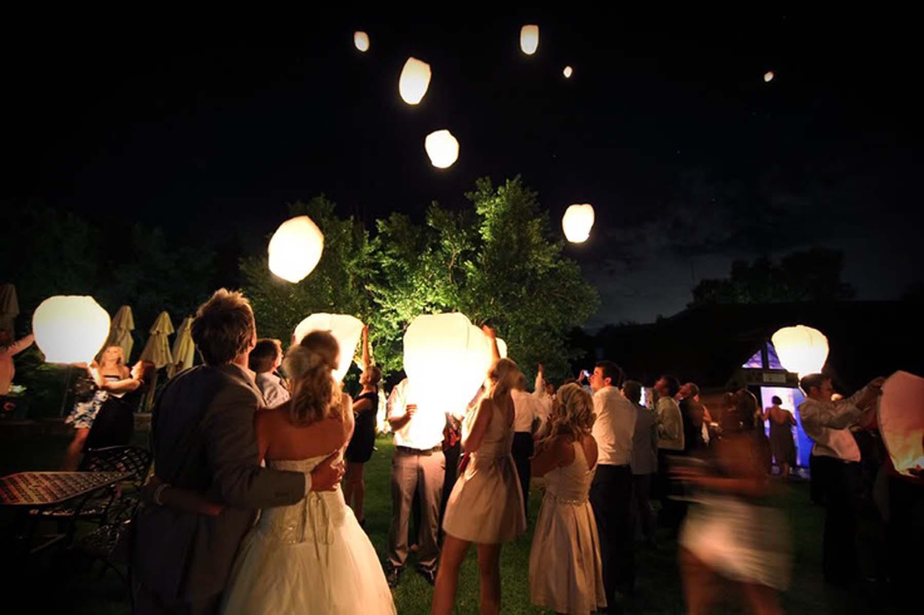 Ideas para sorprender en tu boda: Farolillos chinos boda